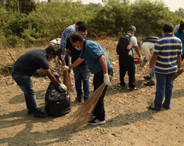 Slum and Beach Clean-up volunteering drive at Uran, removing 750 kg of waste